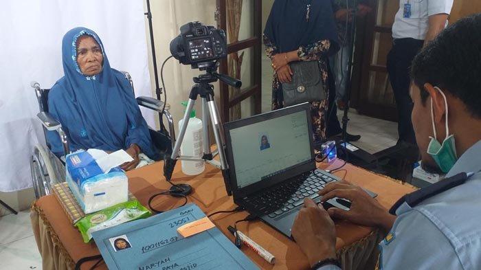 Tak Perlu ke Kantor Imigrasi Lhokseumawe, Calon Jamaah Haji Bireuen Buat Paspor di Kankemenag
