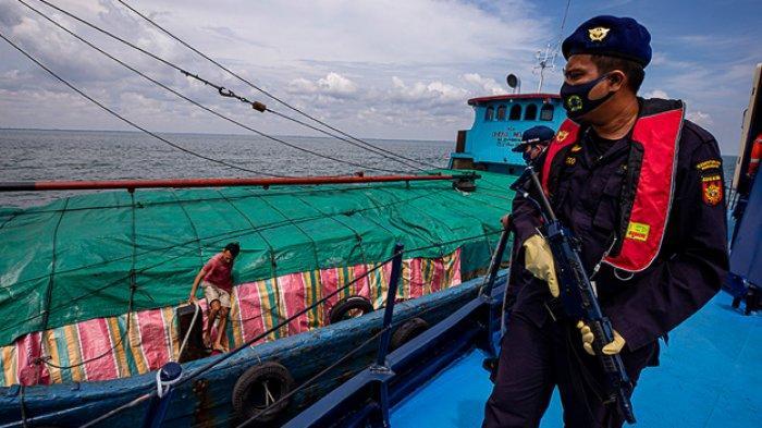 FOTO - Mengikuti Patroli Laut Bea Cukai Dari Aceh Hingga Perairan Kalimantan Barat - patroli-bea-cukai-9.jpg
