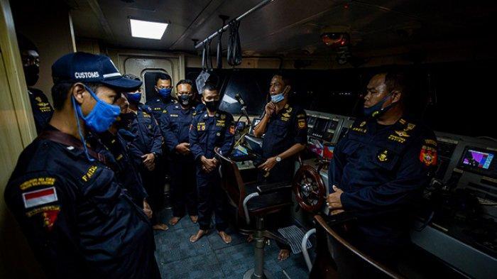FOTO - Mengikuti Patroli Laut Bea Cukai Dari Aceh Hingga Perairan Kalimantan Barat - patroli-lau-bea-cukai-2.jpg