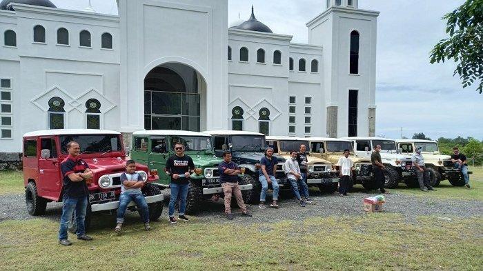 Pecinta Toyota Hardtop Aceh Gelar Touring, Ini yang Mereka Lakukan di Puncak Gunung Geurutee