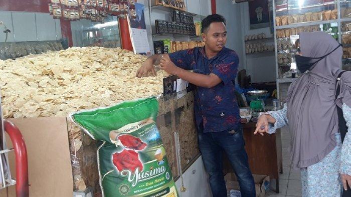 Permintaan Emping Meulinjau untuk Pedagang Mie Aceh di Medan Melonjak