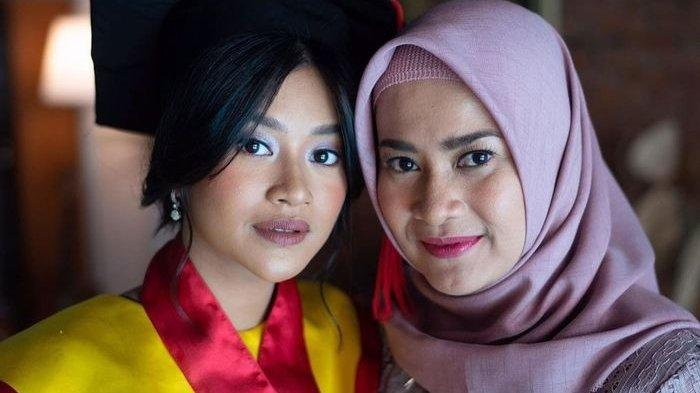 Anak Pedangdut Ikke Nurjanah Raih IPK Tertinggi di Fakultas Hukum Universitas Indonesia