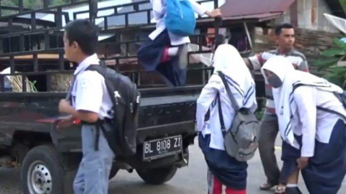 Rusak, Bus Sekolah Tak Beroperasi, Sebagian Pelajar di Tapaktuan tak Masuk, Ada yang Naik Pikap