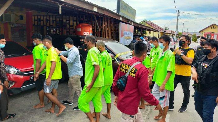 Tersangka Judi Online di Aceh Timur Terancam 12 Kali Cambuk atau Penjara 12 Bulan