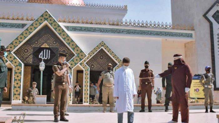 Pelanggar Syariat Islam di Kota Sabang Dihukum 18 Kali Cambuk