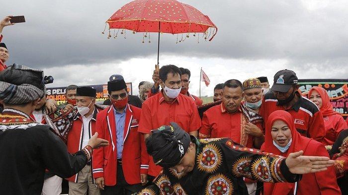 Mualem Lantik Pengurus DPW PA Bener Meriah, Mantan Petinggi Parnas Jabat Ketua Umum