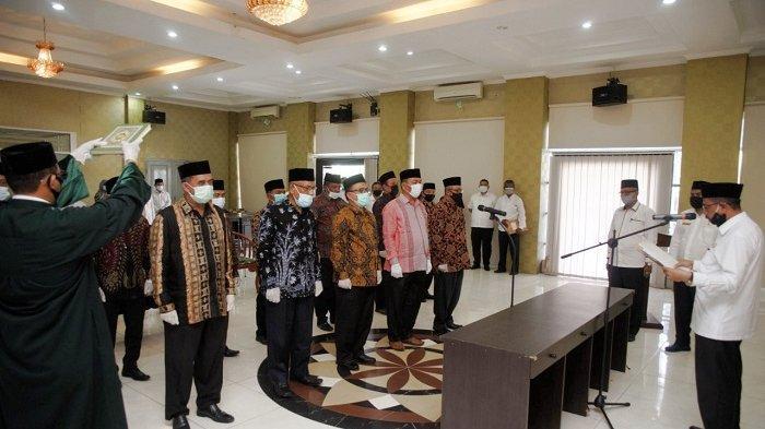 Kakankemenag Aceh Lantik 13 Pejabat Baru