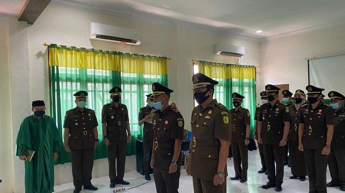 Kajari Aceh Selatan Lantik Kacabjari Bakongan dan Kasi Pidsus