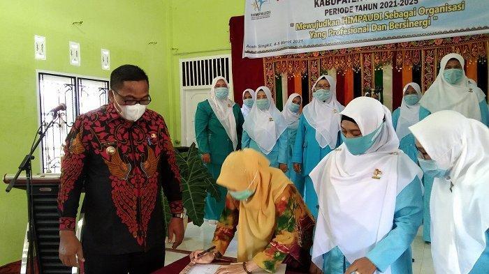 Hadiri Pelantikan Himpaudi, Bupati Aceh Singkil Ingatkan Orang Tua Hati-hati Berikan HP pada Anak