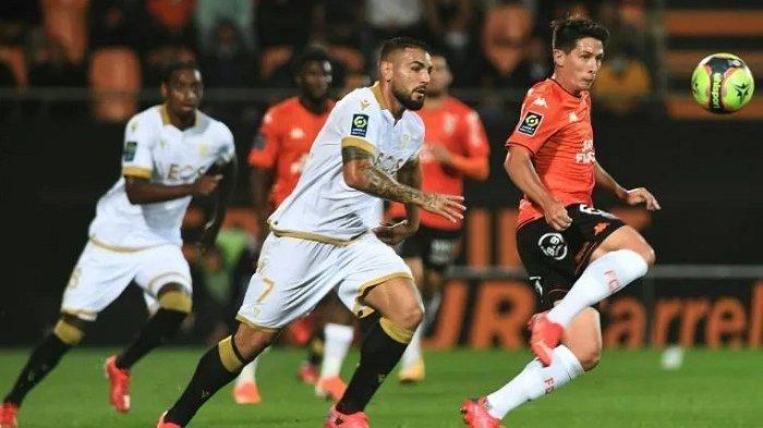 Manajer Timnas Aljazair Buang Striker Andy Delort, Tempatkan Negara Dibawah Klub