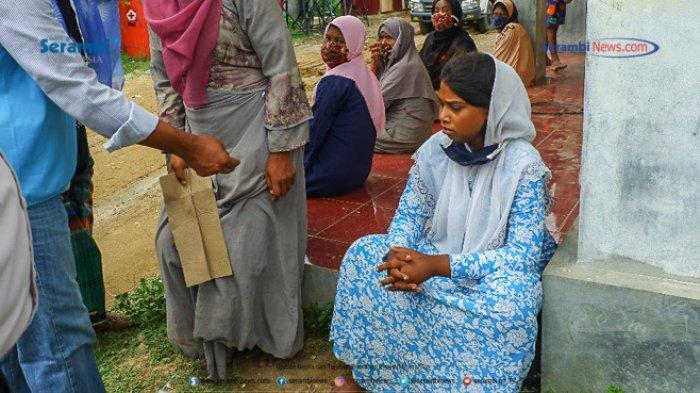 FOTO - Suasana Haru Saat Pemakaman Gadis Rohingya di TPU Kuta Blang, Lhokseumawe - pemakaman-gadis-rohingya-11.jpg