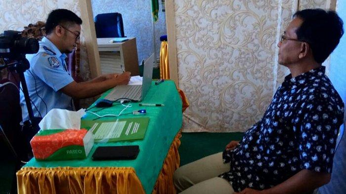 Calon Jemaah Haji Aceh Singkil Buat Paspor, Petugas Imigrasi Didatangkan dari Meulaboh