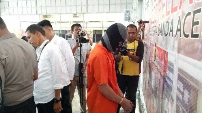 VIDEO - Tersangka Pembunuh Sekeluarga di Gampong Mulia Terancam Hukuman Mati