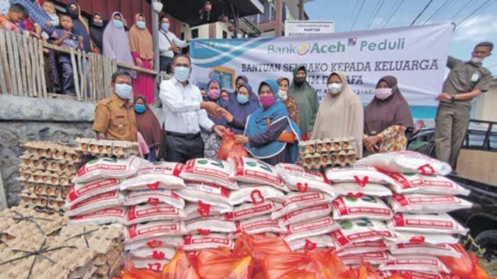 Kegiatan Bank Aceh Syariah Peduli, BAS Cabang Takengon Bagikan Sembako untuk Duafa
