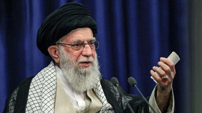 Sebut Vaksin Covid-19 Dirancang untuk 'Mencemari' Orang, Twitter Hapus Cuitan Ayatollah Ali Khamenei