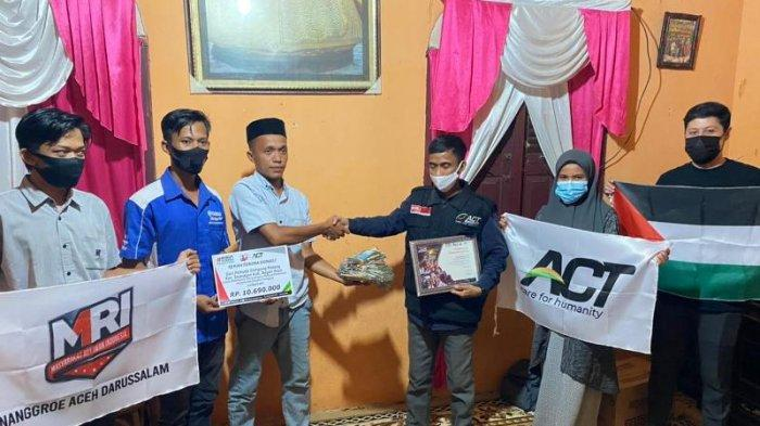 Pemuda Gampong Padang Nagan Raya Salurkan Donasi Kemanusian untuk Palestina, Melalui ACT