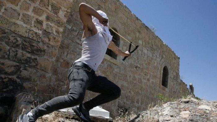 Warga Yahudi dan Arab-Israel Saling Serang Orang dan Bangunan di Jerusalem
