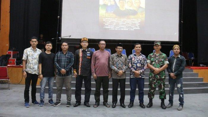 Tepuk Tangan dan Cuitan Sambut Pemutaran Perdana Film Ajari Aku Aceh di Taman Budaya - pemutaran-perdana-film-ajari-aku-aceh-3.jpg