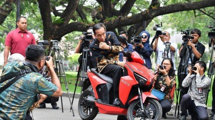 Pemenang Motor Listrik Jokowi Ternyata Buruh, M Nuh Mengira Dapat Hadiah, Takut Ditagih Rp 2,5 M