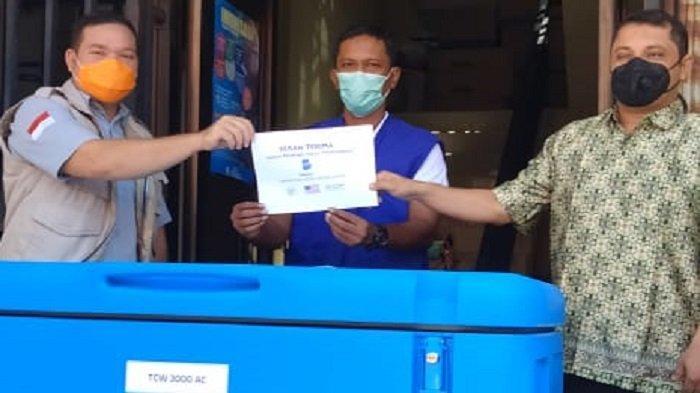IOM Serahkan Alat Pendingin Vaksin ke Pemko Lhokseumawe