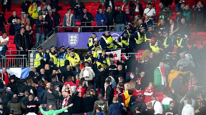 Suporter Hungaria Bentrok dengan Polisi Inggris di Stadion Webley, Pertandingan Berakhir Imbang 1-1