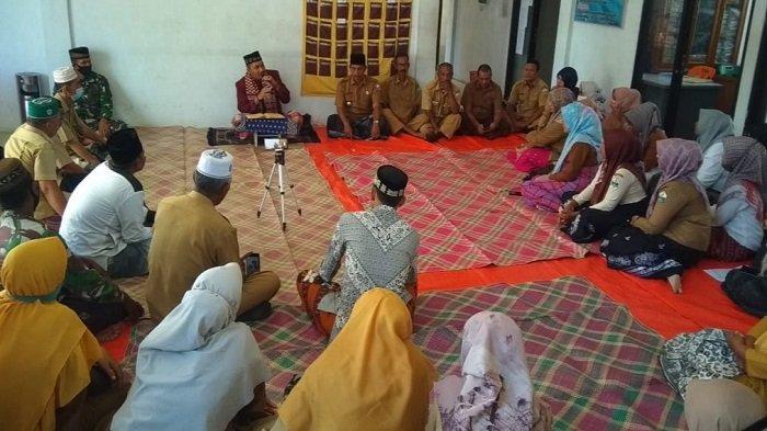 Pengawai Kantor Camat Jeumpa Ikut Pengajian Ramadhan