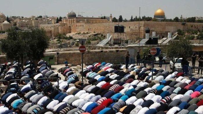 Masjid Al Aqsa Jerusalem Terbakar, Bersamaan dengan Gereja Katedral Notre Dame Paris