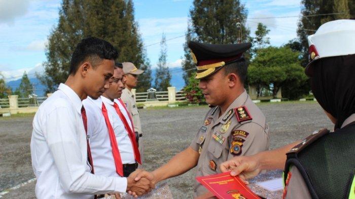 Ungkap Penyelundupan 100 Kg Ganja Kering, Personel Polres Bener Meriah Terima Penghargaan