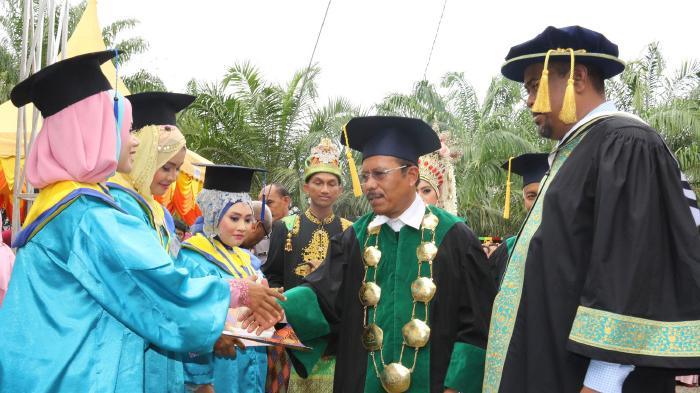 Menggugat Hak Mahasiswa