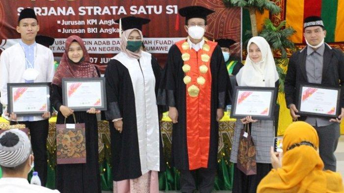 Empat Mahasiswa FUAD IAIN Lhokseumawe Raih Juara Pekan Kreativitas di Padang, Ini Nama-namanya