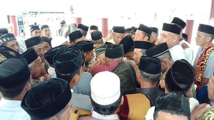 Pengikut Abu Peuleukung di Nagan Raya Rayakan Idul Fitri, Shalat Id di Masjid Peuleukung Tadi Pagi