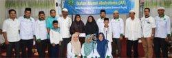 Alumni Abulyatama Bukber dan Santuni Lansia di Panti Jompo