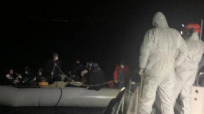 Penjaga Pantai Yunani Coba Bakar Pengungsi di Lepas Pantai, Dorong Menjauhi Daratan