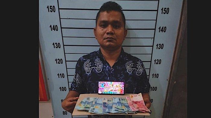 Pria Ini Diringkus Polisi di Sebuah Warung Usai Jual Chip 20B, Uang Sebesar Rp 800 Ribu Disita