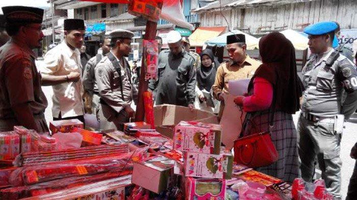 Sebelum Razia Besar-besaran, Dinas Syariat Islam dan Satpol PP Ingatkan Penjual Mercon di Gayo Lues