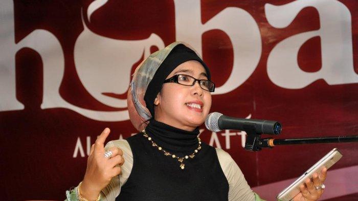 Penyair Produktif Aceh D Keumalawati Tampil dalam