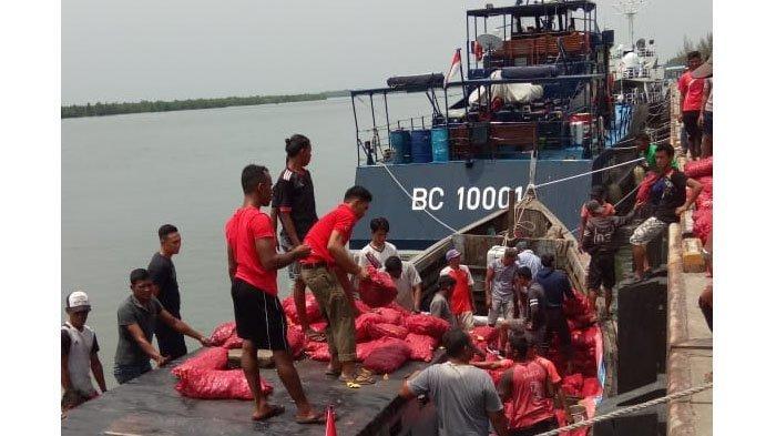 Patroli Laut Bea Cukai Gagalkan Penyelundupan 20 Ton Bawang dari Malaysia ke Aceh Tamiang
