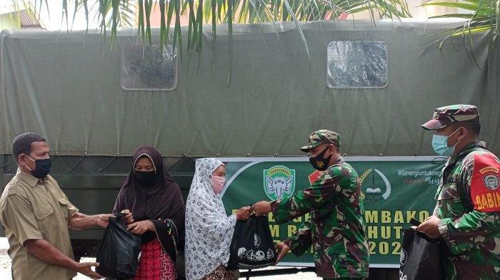 Peringati HUT ke-75 TNI, Kodim Nagan Raya Bagikan Sembako untuk Warga Miskin