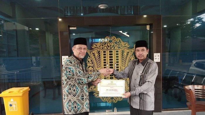 Kemenag Aceh Timur Serahkan Dana Wakaf Tunai ke Kemenag Aceh