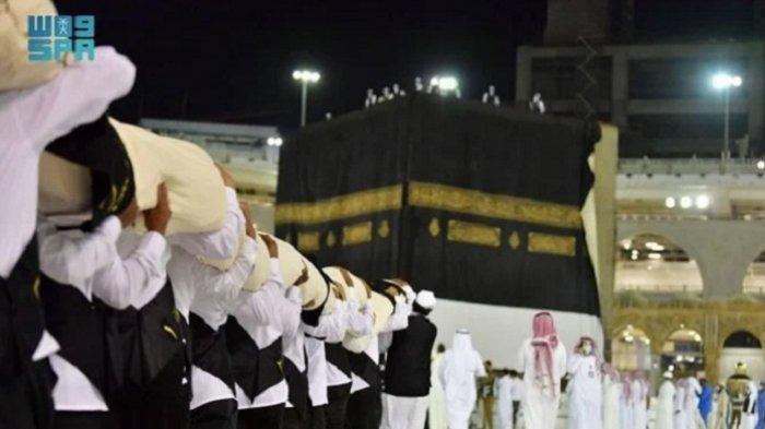 Arab Saudi Ganti Kiswah Penutup Ka'bah, Ini Sejarahnya