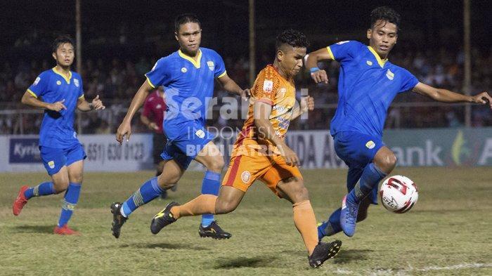 FOTO-FOTO : Persiraja Banda Vs Blitar Bandung United - persiraja_2.jpg