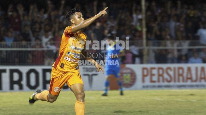 FOTO-FOTO : Persiraja Banda Vs Blitar Bandung United - persiraja_4.jpg