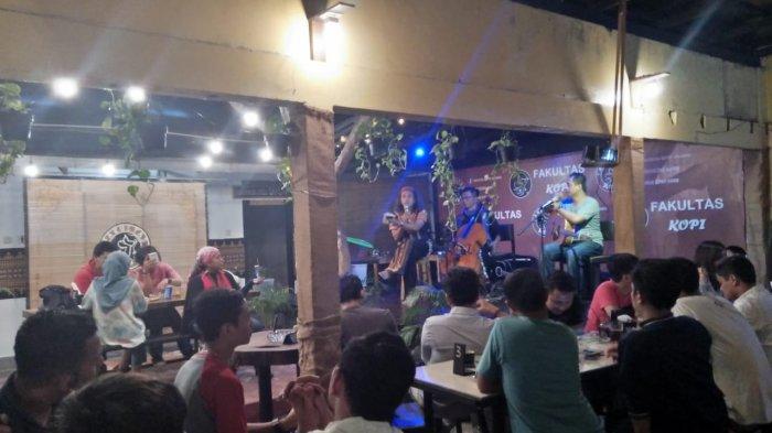Rangkaian Bunga Kopi Gelar Pentas Songsong GAMIFest di Fakultas Kopi Jakarta