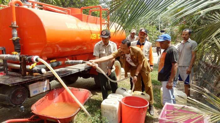 Warga Bandarbaru Membutuhkan Air Bersih