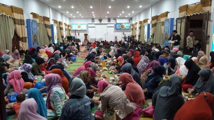 Majelis Ulama Indonesia Bolehkan Warga Gelar Buka Puasa Bersama