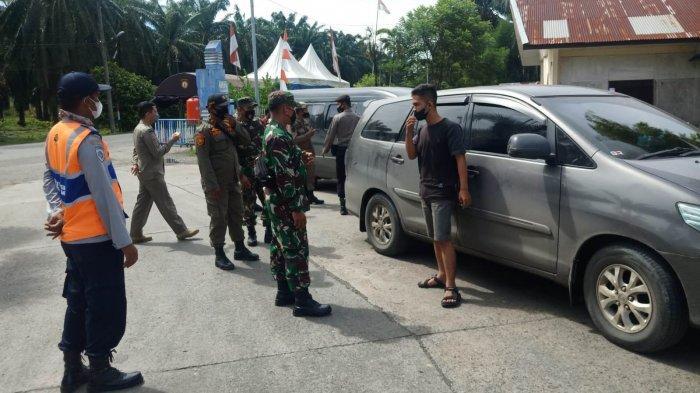 Penyekatan diPerbatasan Aceh - Sumut,Satgas PPKM Arahkan 53 Kendaraan Putar Balik