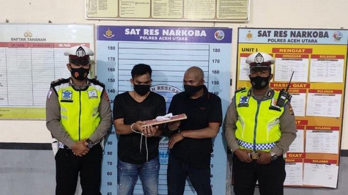 Dua Pria Ditangkap Polres Aceh Utara, Setelah Keluarkan Sesuatu dari Saku Celananya