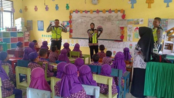 Polisi Kenalkan Rambu-rambu Lalulintas Kepada Murid TK Negeri Pembina, Ini Hasil yang Dicapai