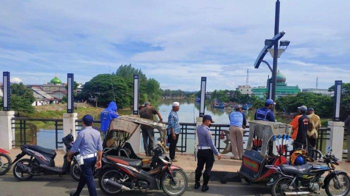 Pemancing di Jembatan Peunayong Diingatkan oleh Dinas Perhubungan, Ini Permasalahannya