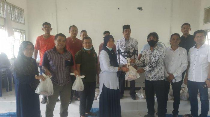 PGRI Aceh Besar Sembelih 5 Ekor Hewan Qurban, Daging Disalurkan kepada Guru Bakti